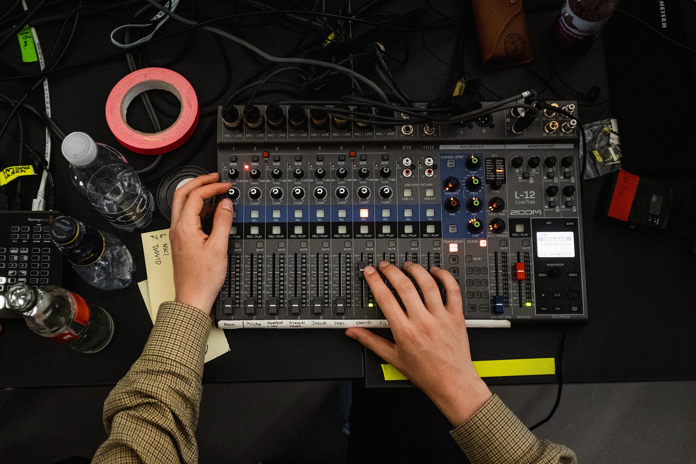 Live stream lydmixer set oppefra